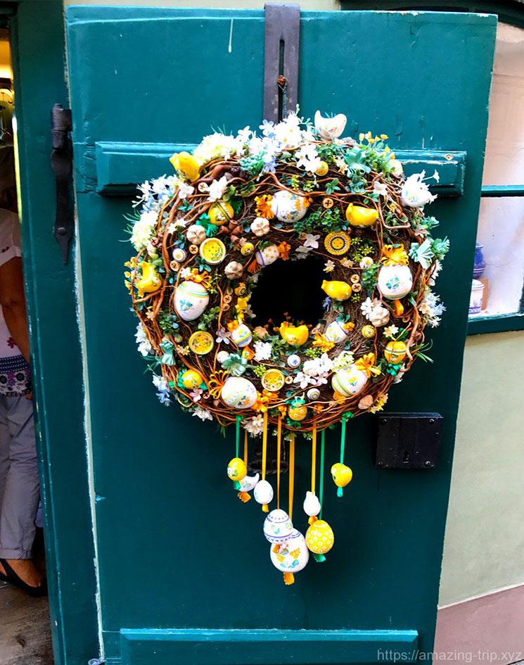 ドアの花飾り