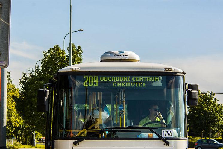 プラハのバス