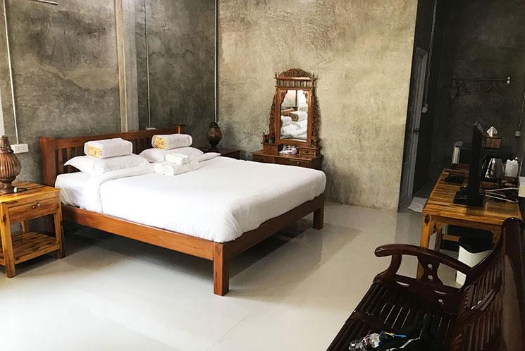 旧市街ホテルの部屋。これで一泊3,000円ほど