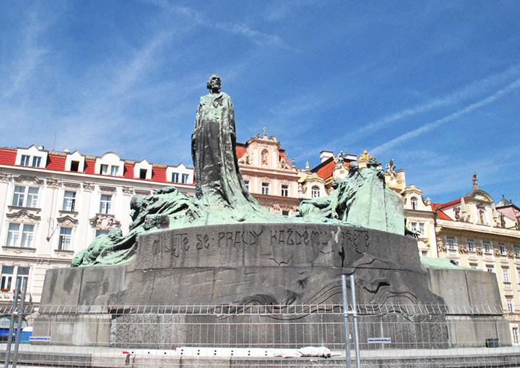ヤン・フス像の写真