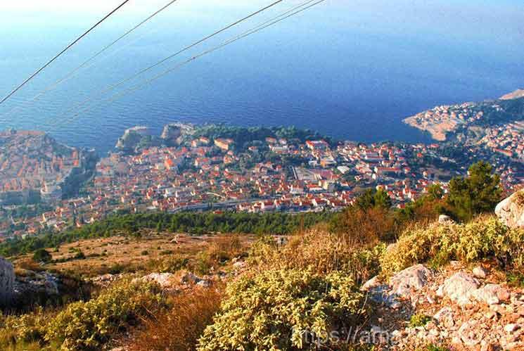 スルジ山から見るドブロブニク旧市街の景観