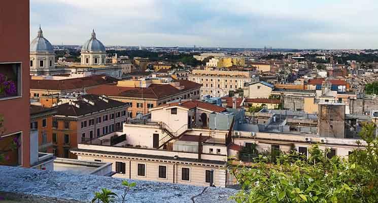 ルーフテラスから見るローマ市街の景色