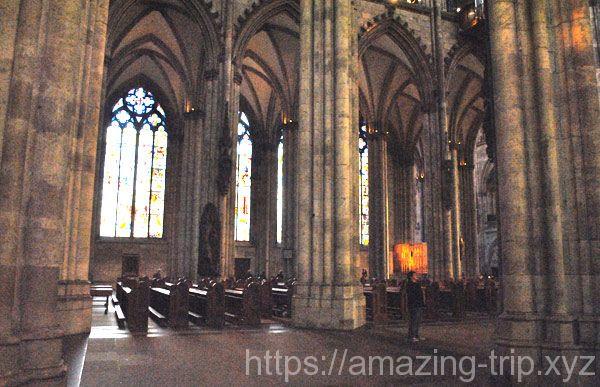 大聖堂内部の景観