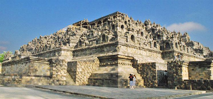 ボロブドゥール寺院の外観。