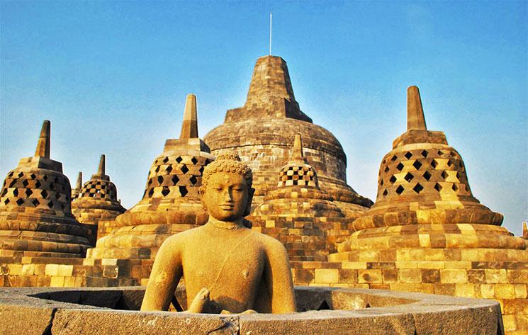 円壇の仏像