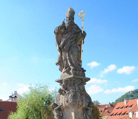聖アダルベルト像