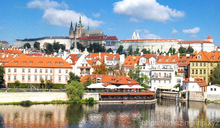 カレル橋から見るプラハ城