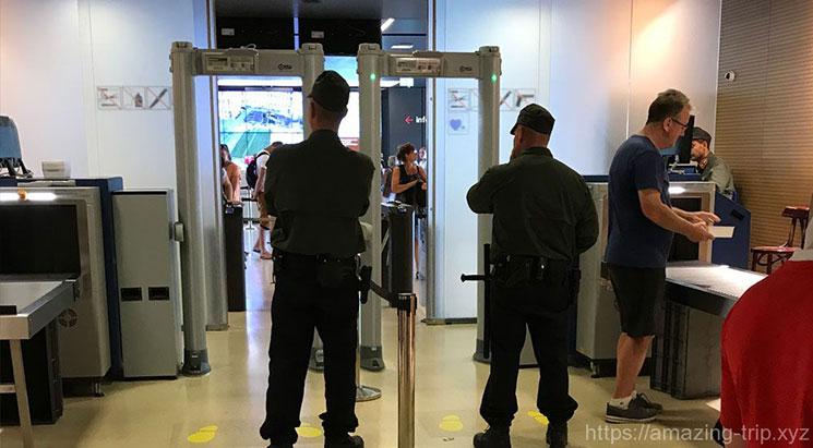 国会議事堂ツアー前のセキュリティチェック