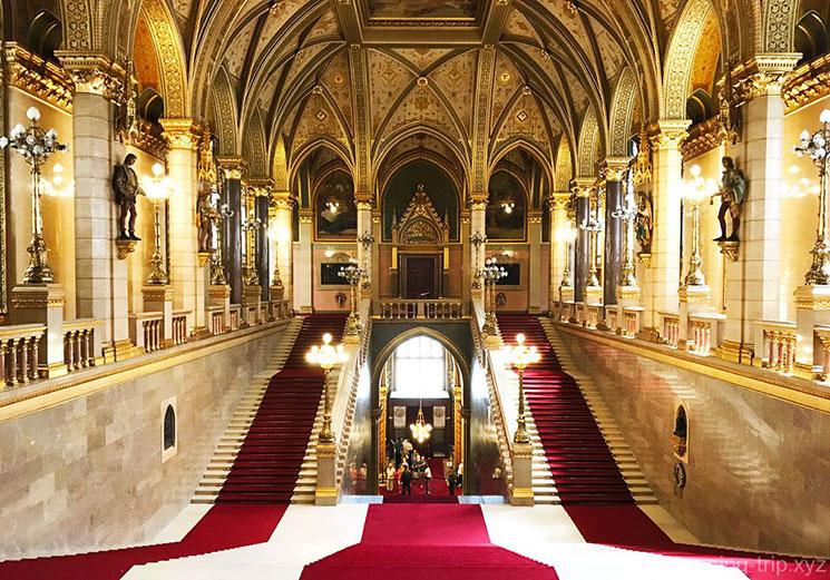 国会議事堂正面の大階段(The Grand Stairway)