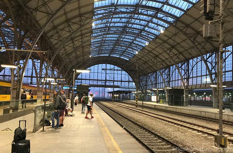 プラハ中央駅のプラットホーム