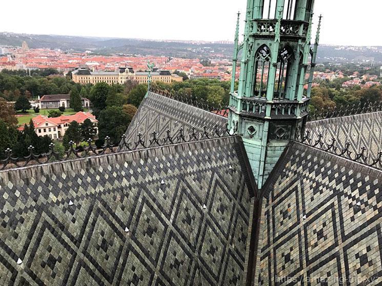 ヴィート大聖堂の屋根(中央部分)