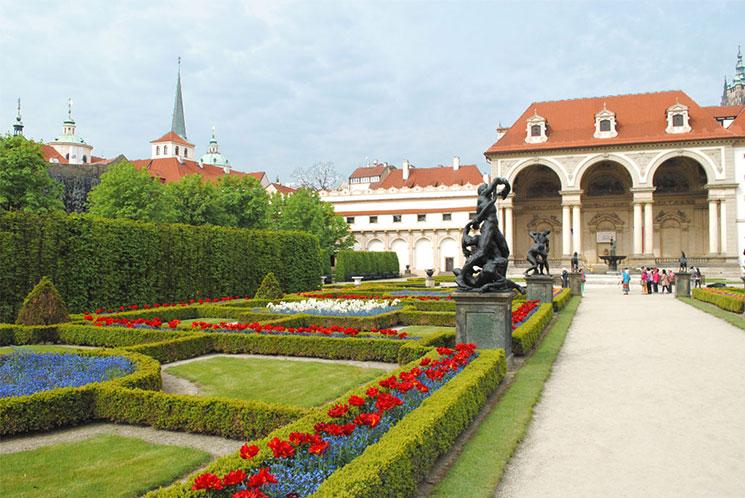 ヴァルトシュテイン宮殿の庭園