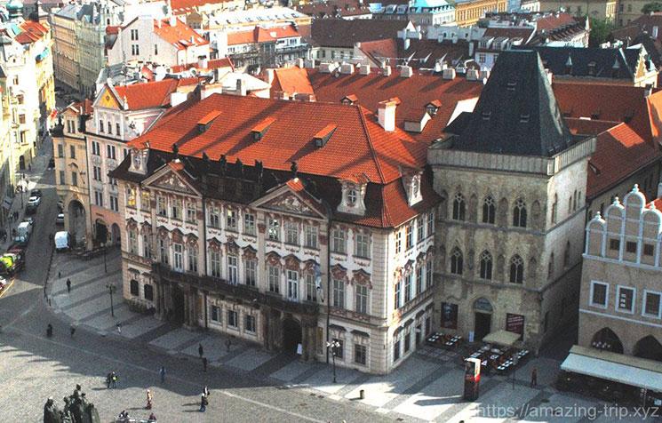 旧市街広場に建つ キンスキー宮殿