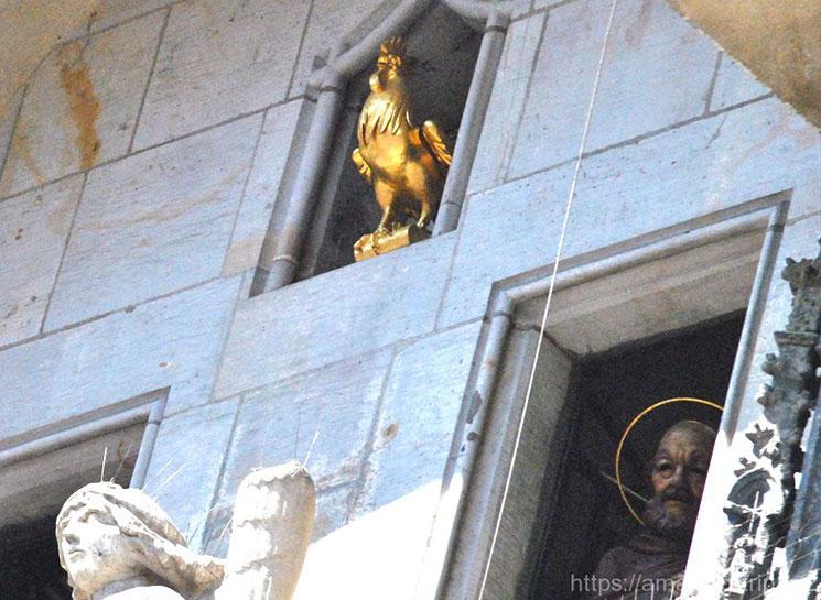 カラクリ時計の十二使徒と金色の鶏