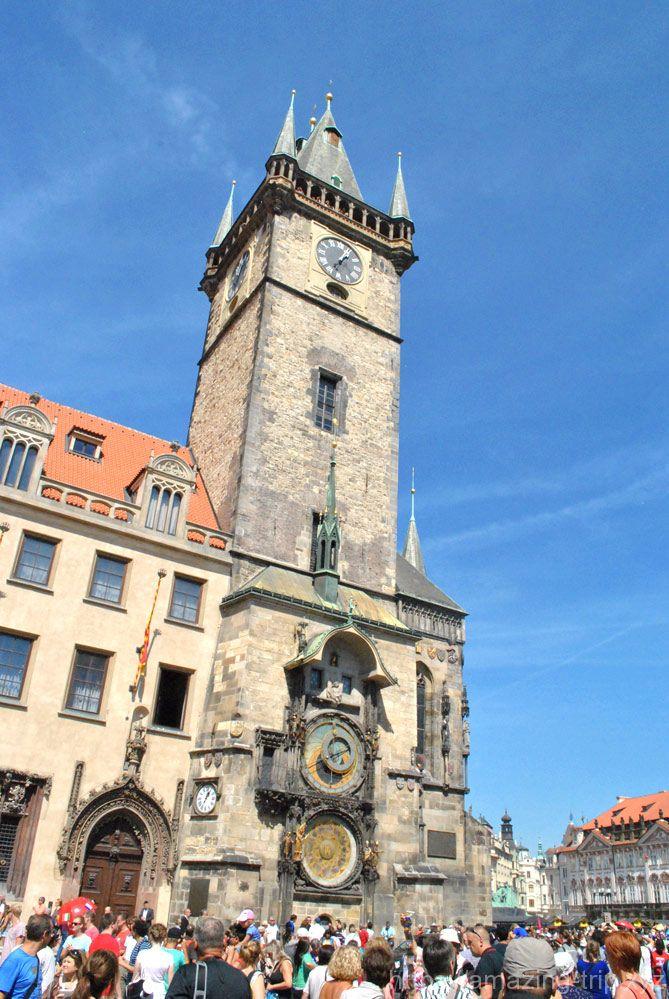 旧市庁舎の時計塔 南側の全景