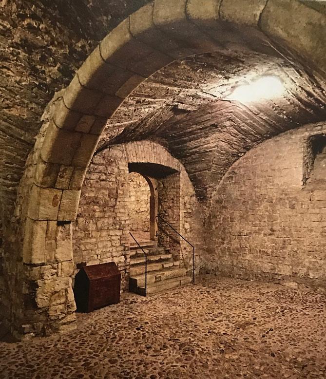 古代ローマ様式の地下道