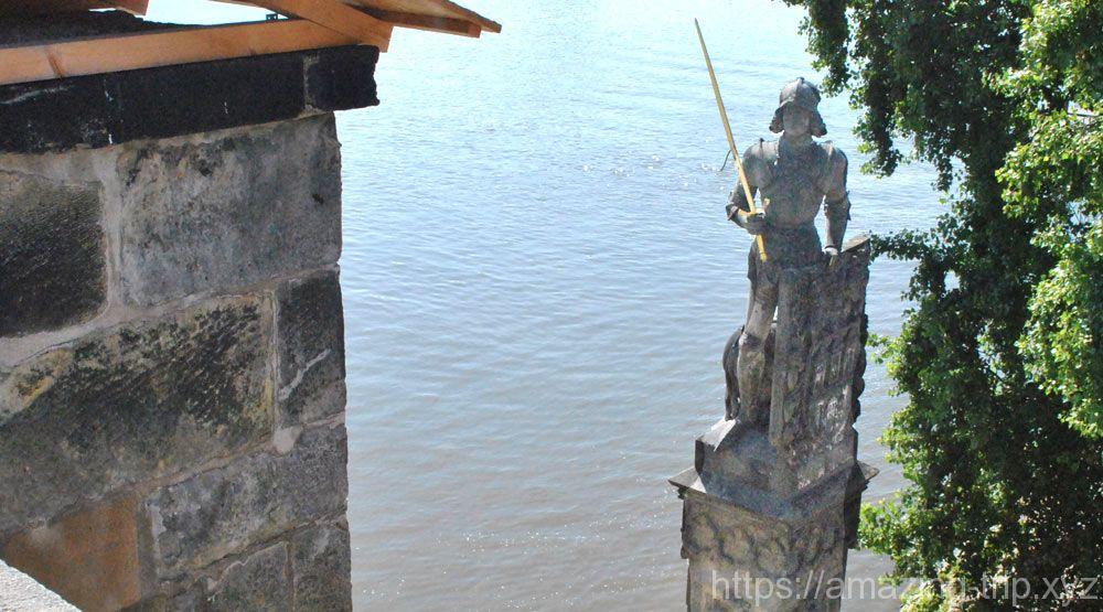 伝説の王 ブルンツヴィークの騎士像