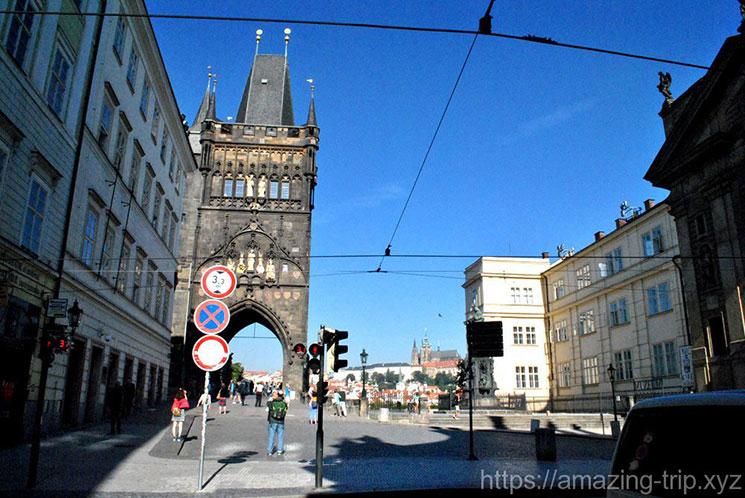 旧市街側の橋塔外観