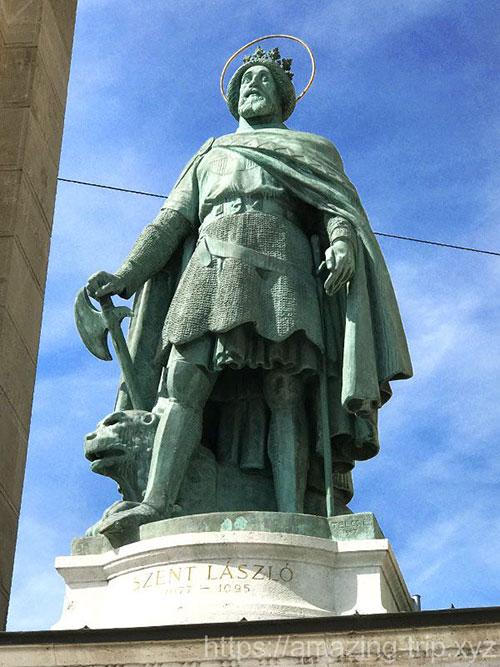 ラースロー1世の像