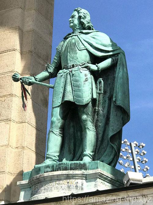 ラーコーツィ・フェレンツ2世の像