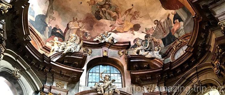 聖ミクラーシュ教会のフレスコ画