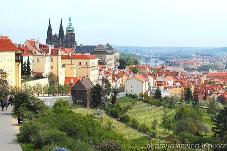 ストラホフ修道院 高台からの景観