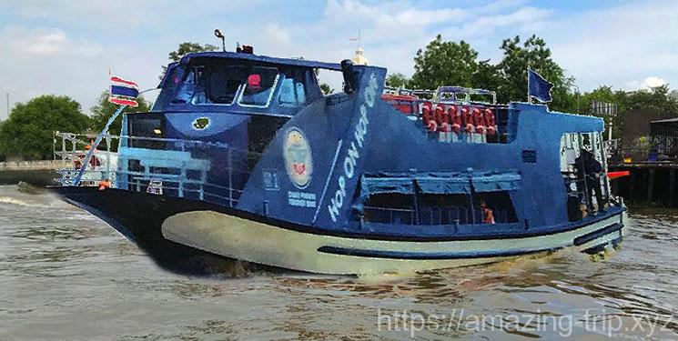 チャオプラヤーツアリストボートとチャオプラヤー川の景観