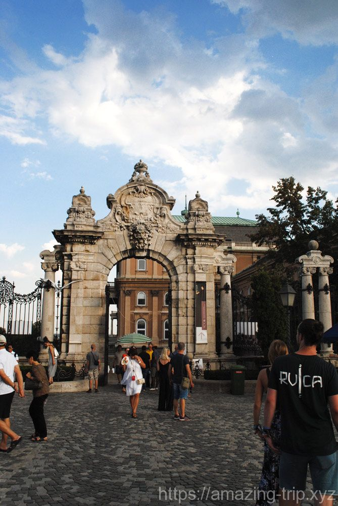 ブダ城 入口の門