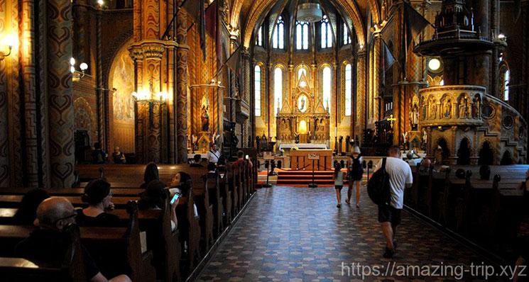 マーチャーシュ教会内部 中央祭壇