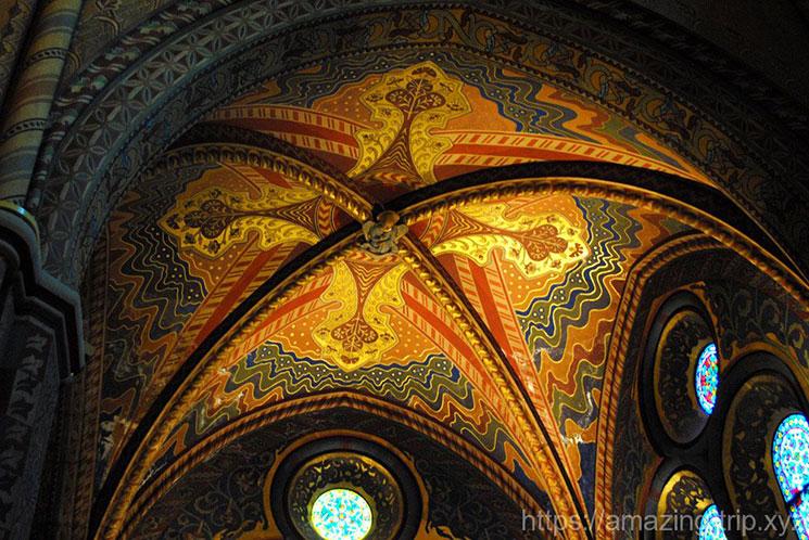 教会壁面の装飾