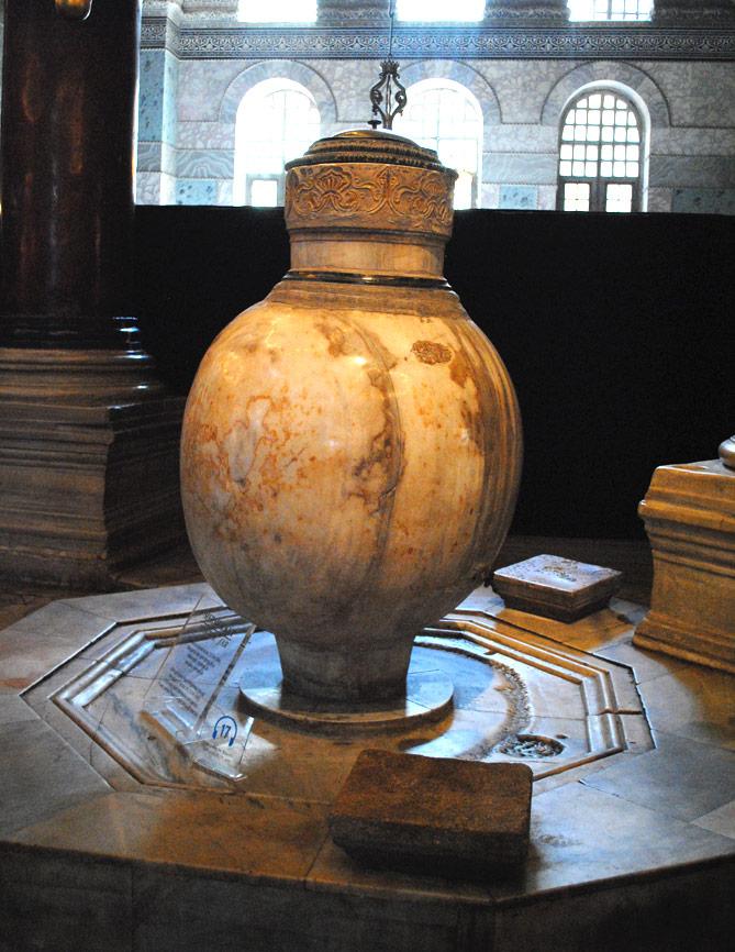 沐浴用の壺