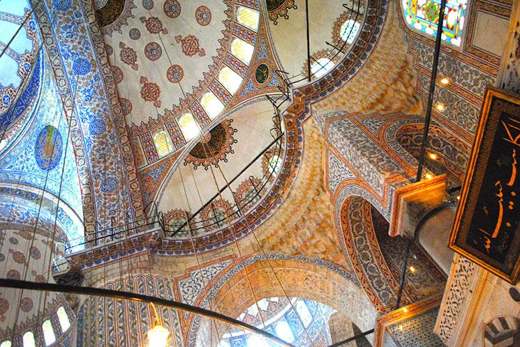 ブルーモスク ドーム天井の装飾
