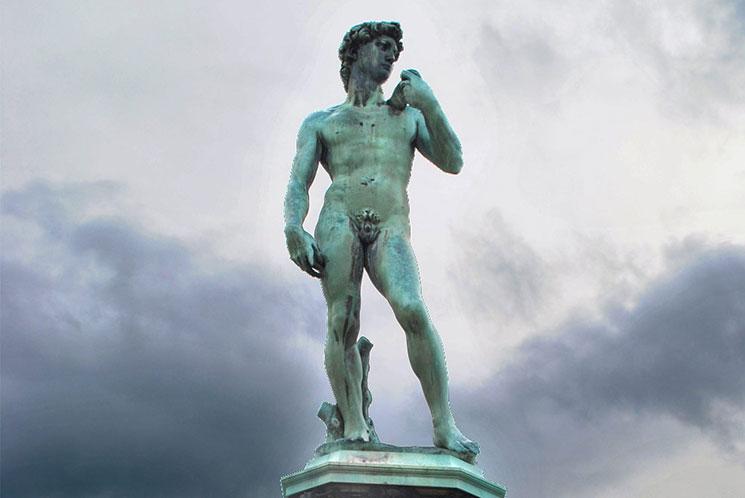 ミケランジェロ広場中央のダビデ像