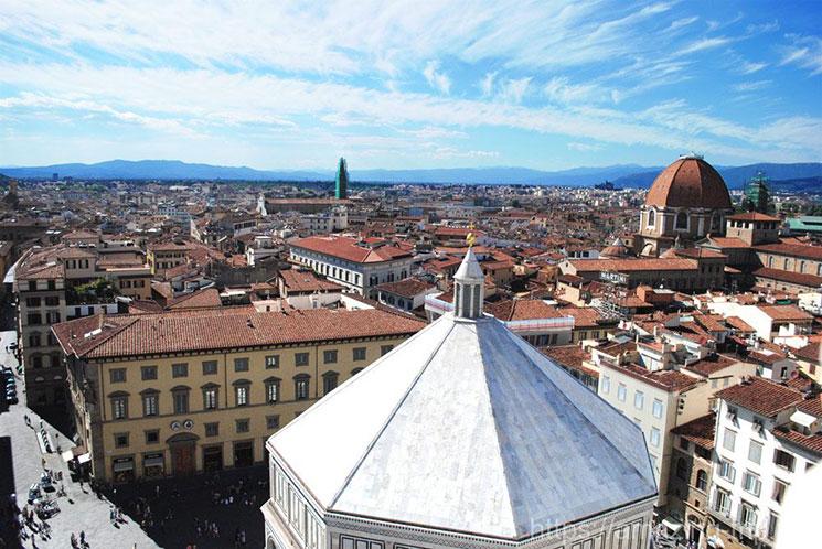 鐘楼からのフィレンツェ北側の景観