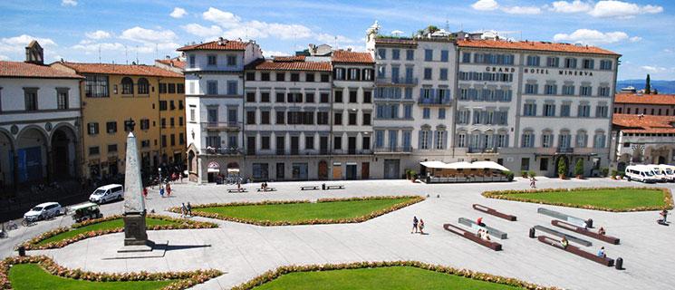 サンタ・マリア・ノヴェッラ広場に建つホテルの景観