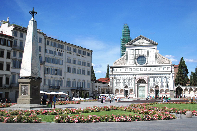 サンタ・マリア・ノヴェッラ教会と広場