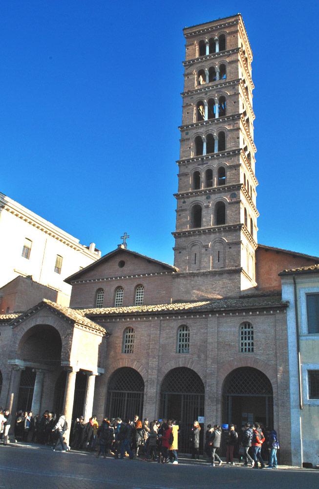 サンタ・マリア・イン・コスメディン教会の外観