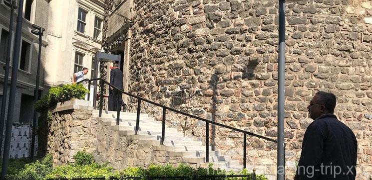 ガラタ塔 南側の入場口