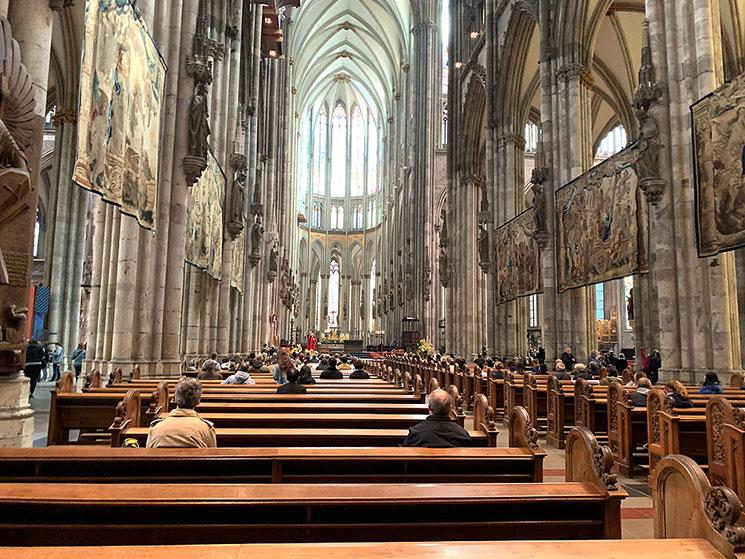 ケルン大聖堂 内部の景観