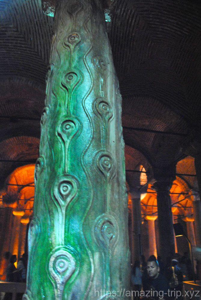 地下宮殿の柱