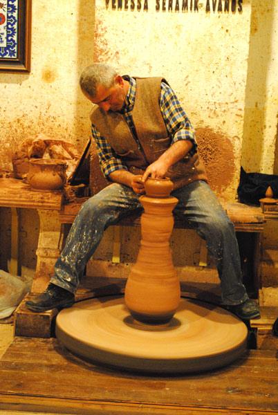 陶器工場 陶器を作る名人