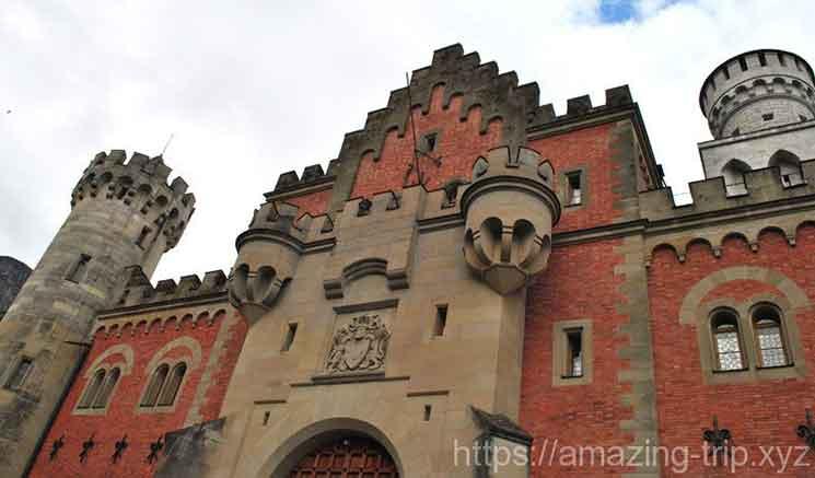 ノイシュヴァンシュタイン城の第一城門