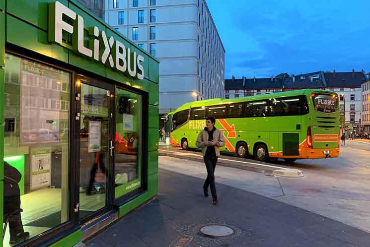 フランクフルト中央駅 フリックスバスの乗り場