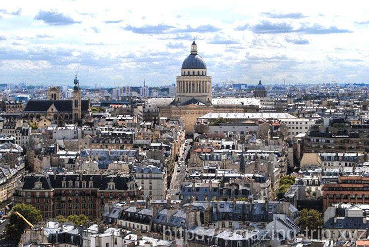 塔の南側から見るパリ市内の景観