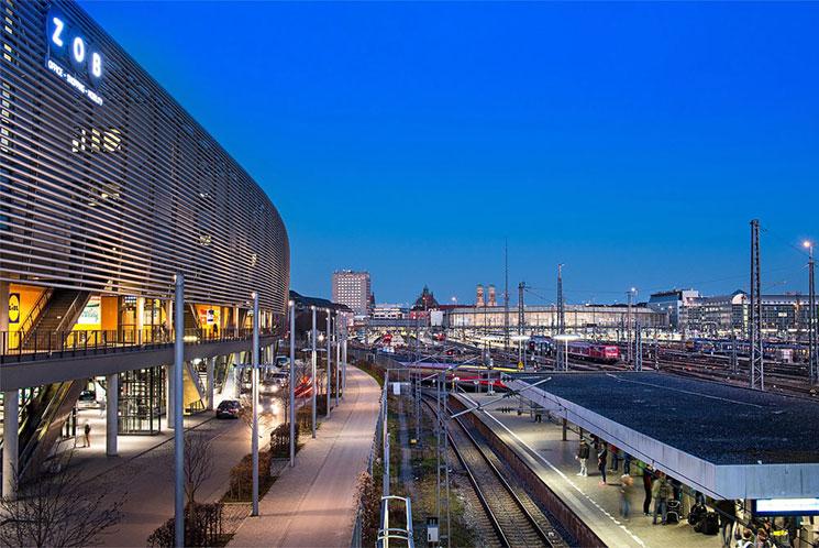 ミュンヘン中央駅 ZOB(中央バスターミナル)