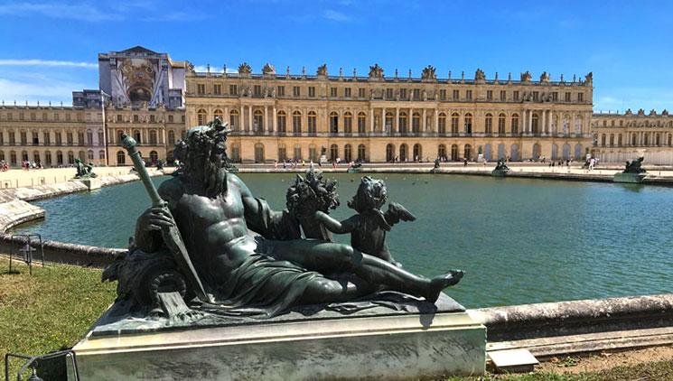 ヴェルサイユ宮殿と水庭
