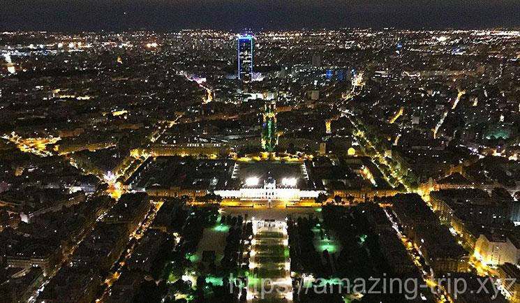 第3展望台(Summit)から見るパリの夜景