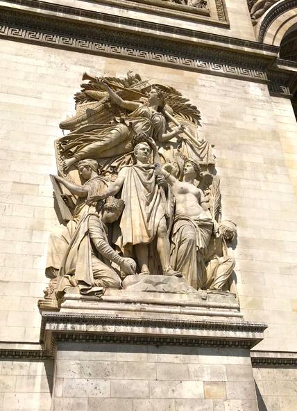 凱旋門 支柱の彫刻「1810年の勝利」
