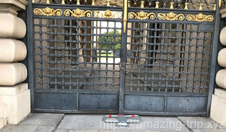 閉鎖時のポルト・デ・リオン入口