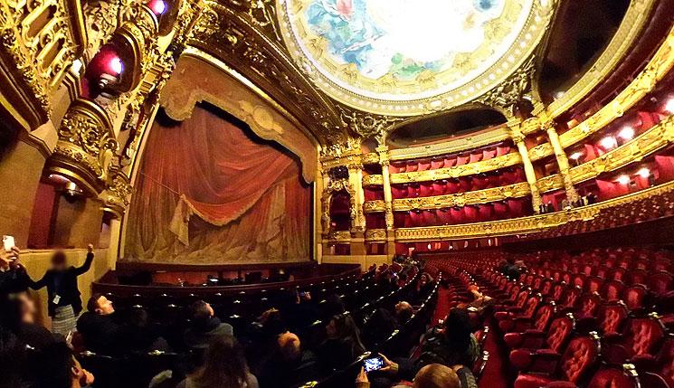 オペラ座 劇場ホールと観客席